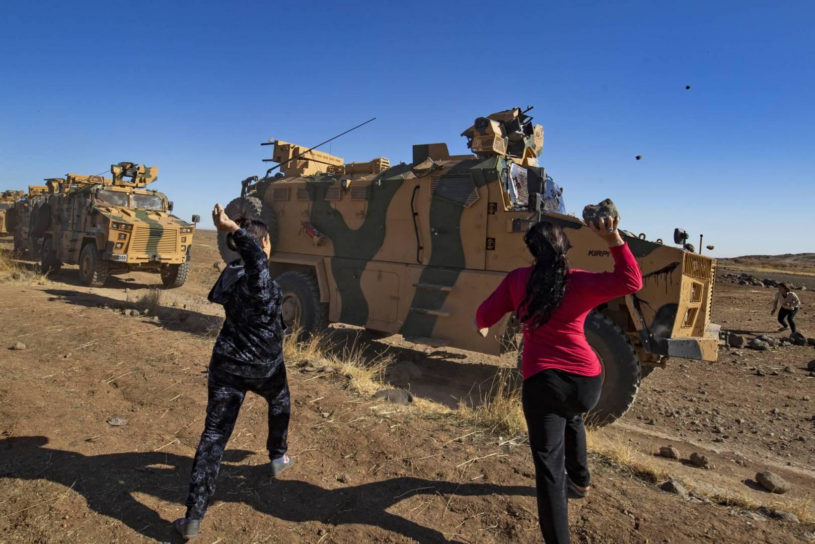 الحجارة-..-سلاح-أهالي-الشمال-الشرقي-السوري-ضدّ-الاحتلال-التركي