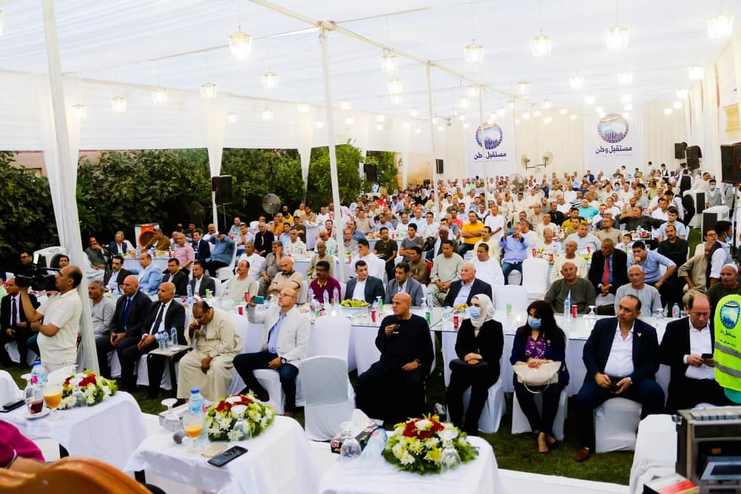 حشد بمنزل النائب أحمد الخشن (3)