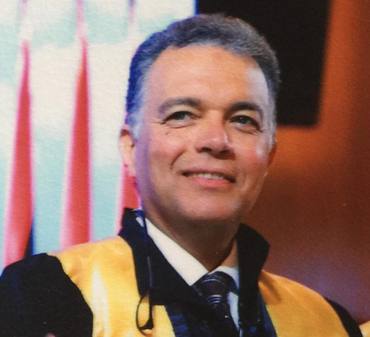 الدكتور هشام عرفات نائب رئيس مجلس أمناء جامعة المستقبل