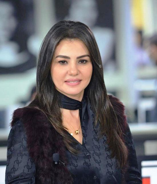 الفنانة دينا فؤاد (2)