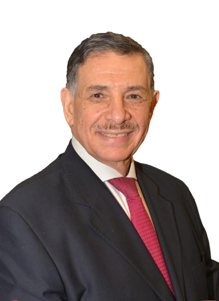 الدكتور هشام قطامش عميد كلية طب الفم والأسنان جامعة المستقبل