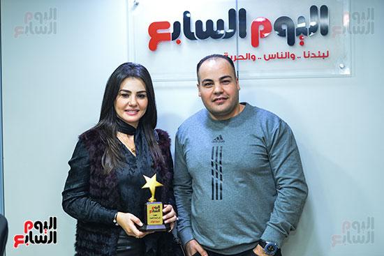 النجمة دينا فؤاد مع الكاتب الصحفى عمرو صحصاح رئيس قسم الفن