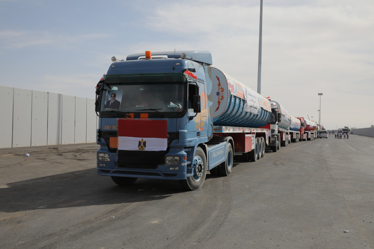 201121-أسطول-المساعدات-المصرية-للفلسطنيين
