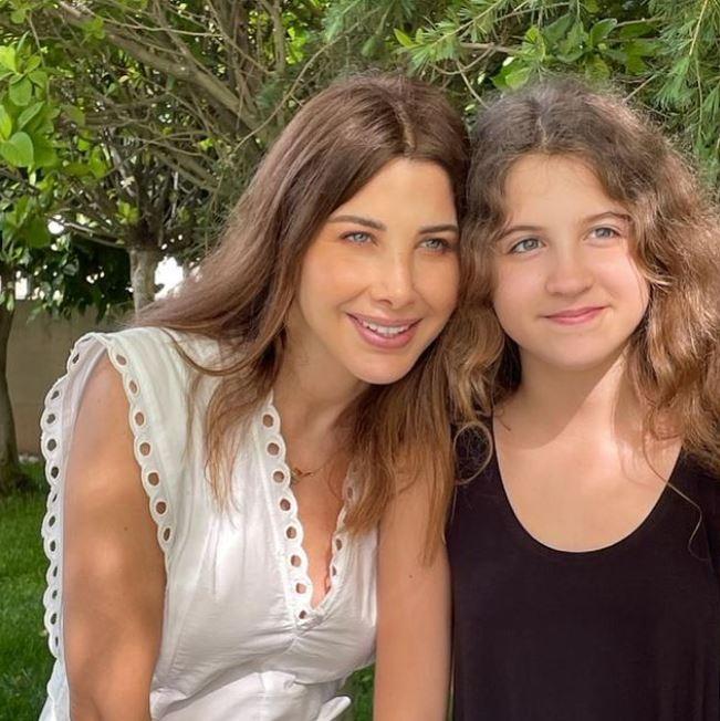 نانسي وابنتها