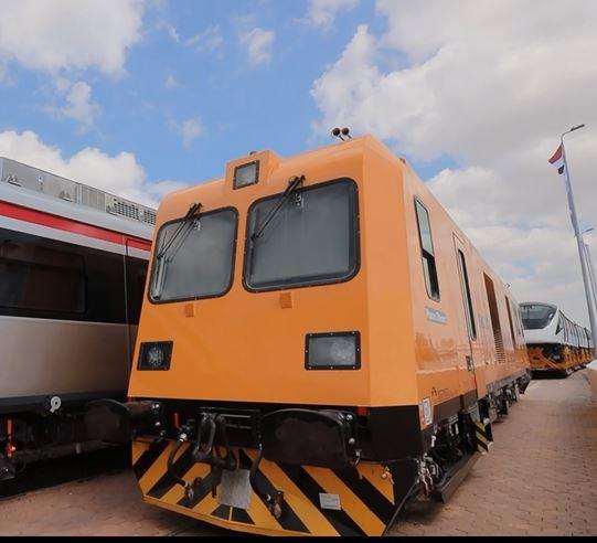 36054-إحدى-ماكينات-فحص-السكة-الحديد