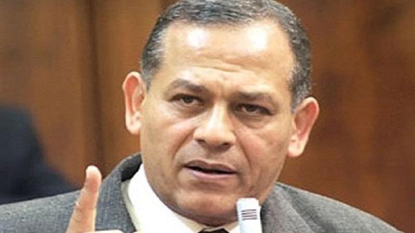 «السادات» يرفض إقالة وزير القوى العاملة الجديد