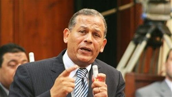 «السادات» عن بيان الحكومة: «ماحدش تاني هيشتري الوهم»