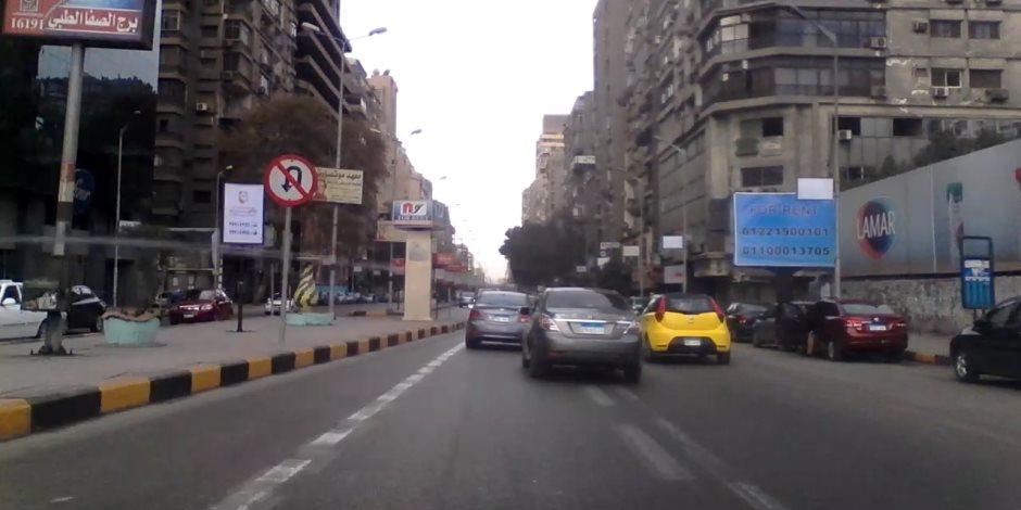 النشرة المرورية.. انسياب حركة السيارات بالطرق والمحاور الرئيسية