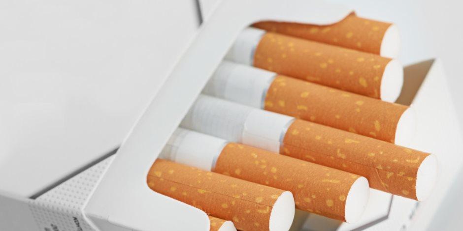 """""""المستوردة والمحلية"""".. ننشر اسعار السجائر اليوم بالتسعيرة الرسمية"""