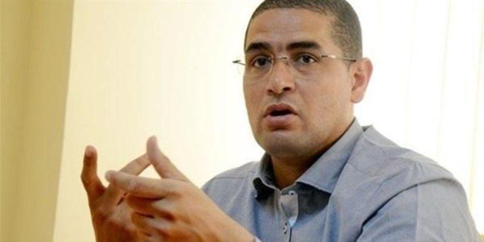 """محمد أبو حامد يفند بالدلائل إدعاءات """"الإرهابية""""بشأن الدين العام"""