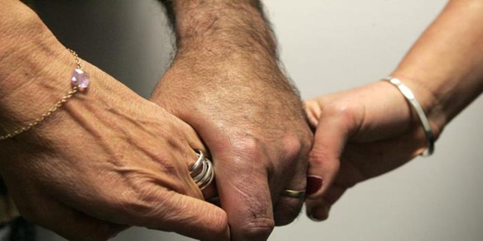 دولة عربية تمنح قروض للراغبين في الزواج بثانية.. وغضب عارم وسط نساءها