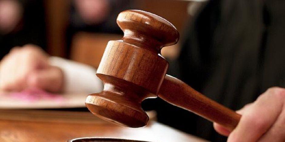 تأجيل محاكمة فتاتي مترو السيدة زينب في اتهامهما بالتظاهر لـ3 يونيه