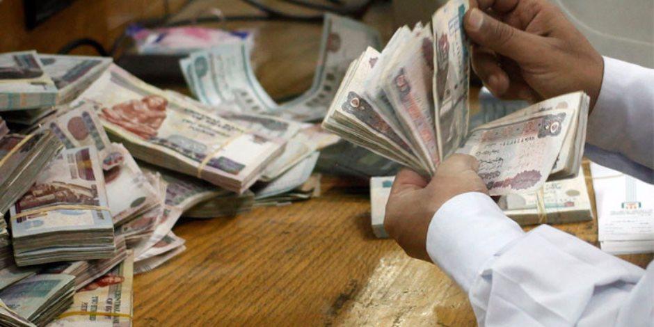 إحباط تهريب 376 ألف جنيه مصري بحوزة راكبتين في مطار برج العرب