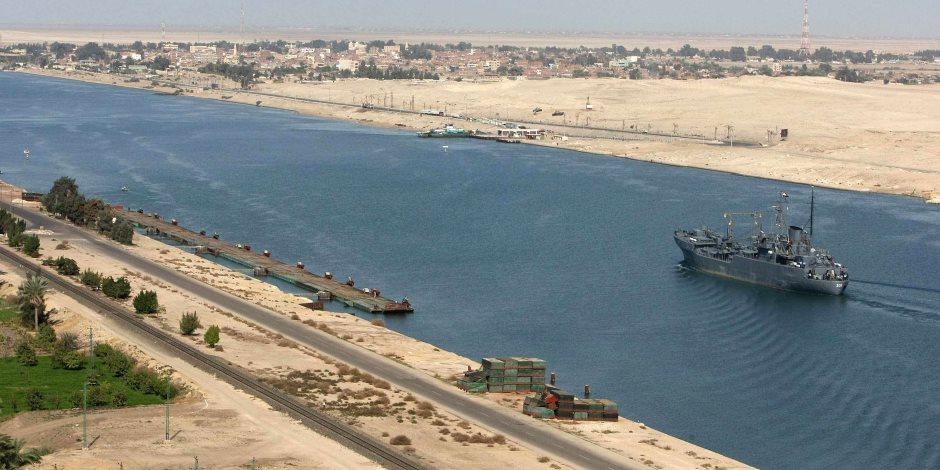 مميش: قناة السويس تحقق أرقاما قياسية في أعداد وحمولات السفن العابرة
