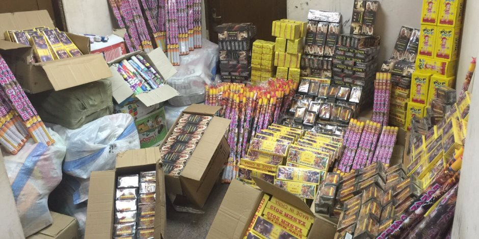 ضبط ٧٥ ألف صاروخ و ألعاب نارية فى العيد بالوادي الجديد