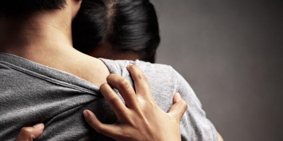 قصة منتصف الليل.. حزنت على سجن زوجها فارتمت فى أحضان صديقه
