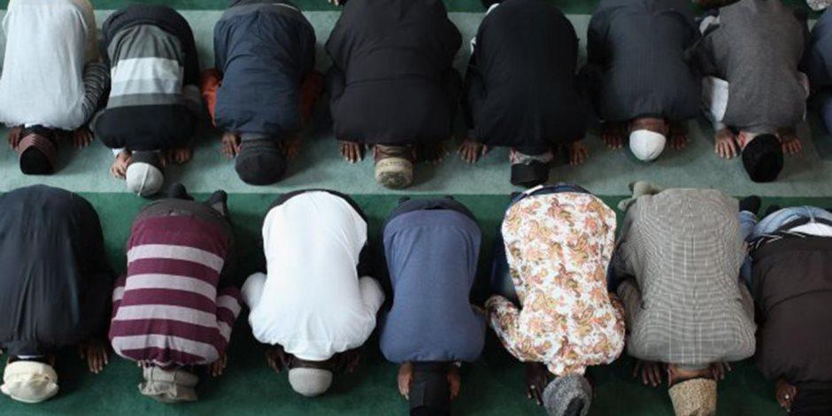 بعد وقف الصلاة بالمسجد النبوي.. لما يصر وزير الأوقاف على صلاة الجماعة؟
