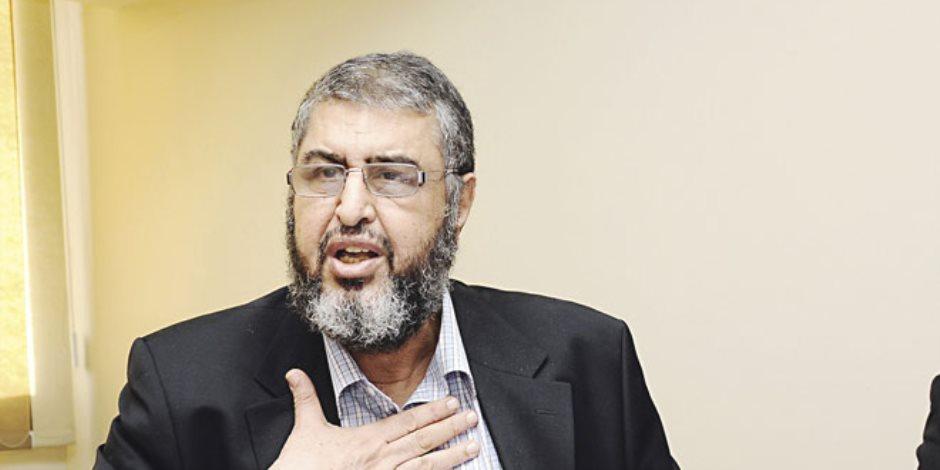 «الكبسولة» يعرض تسريبات لخيرت الشاطر تفضح عبد المنعم أبو الفتوح (فيديو)