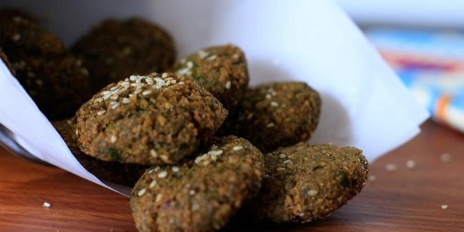 10 أكلات شعبية متبقاش مصرى لو مجربتهاش.. أشهرها الطعمية وسد الحنك