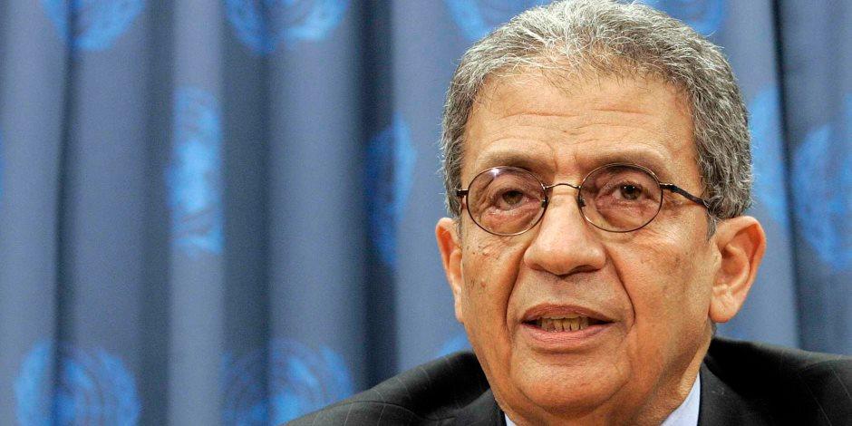 """مواقع لبنانية: طرد عمرو موسى من مؤتمر المحامين بعد ترديد هتافات """"يعيش عبدالناصر """""""