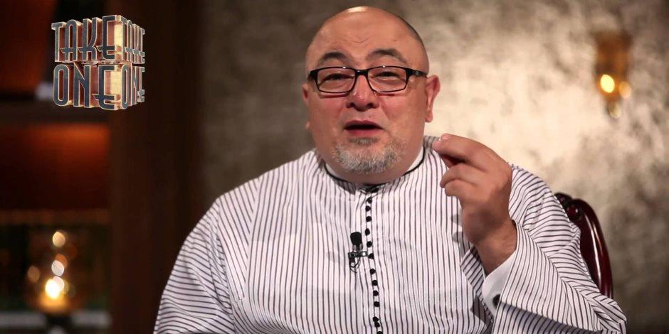 73 دليلاً على وجوبه .. كيف سخر خالد الجندي من مُنكري الحجاب؟ (فيديو)