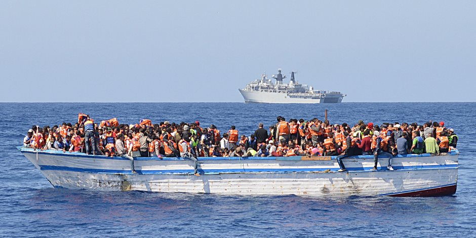 أمن مطروح ينجح في إحباط محاولة هجرة غير شرعية إلى ليبيا