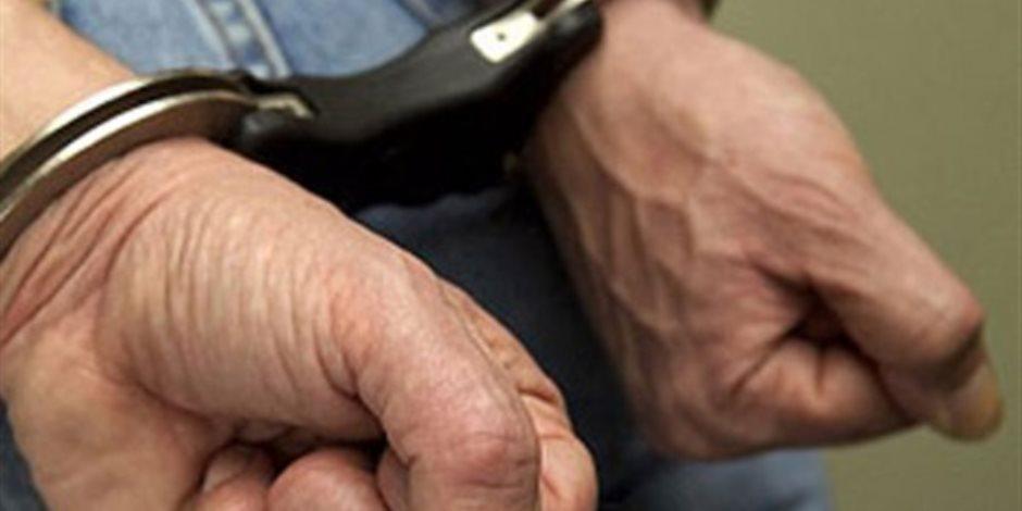 لضبط الخارجين .. حملة أمنية بالبحيرة تلقي القبض على 3 أشخاص بحوزتهم أسلحة بيضاء