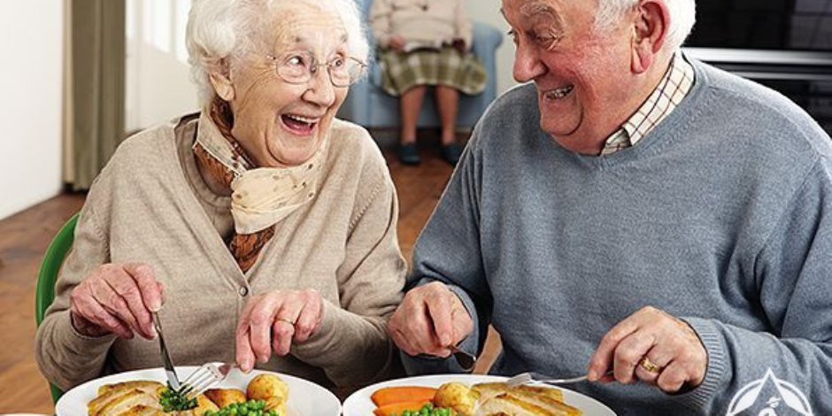 وصفات غذائية هامة .. نصائح لتقوية مناعة كبار السن لمواجهة فيروس كورونا