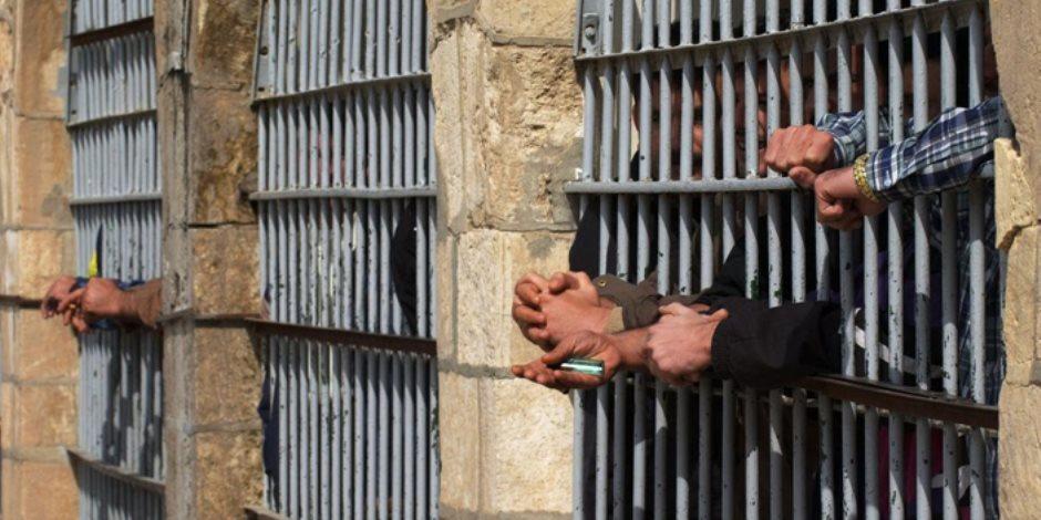 القبض على 8 متهمين بحوزتهم أسلحة نارية ومخدرات في الإسماعيلية