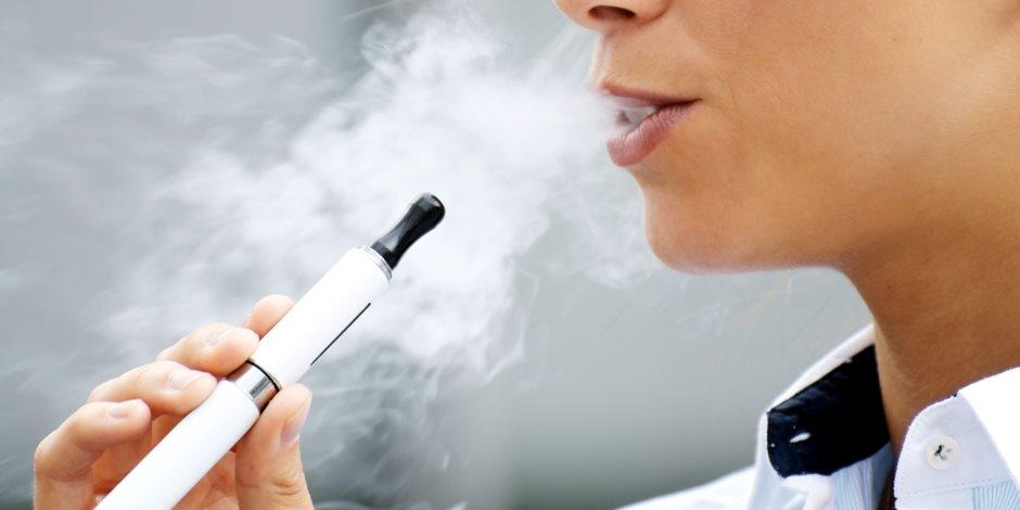 التدخين الإلكترونى يؤدي إلى الوفاة.. 39 حالة وفاة بالولايات المتحدة و5 آلاف مصاب