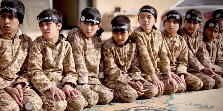 لتعويض خسائر التنظيم.. مرصد الإفتاء يكشف عمليات خطف الأطفال وتجنيدهم في داعش
