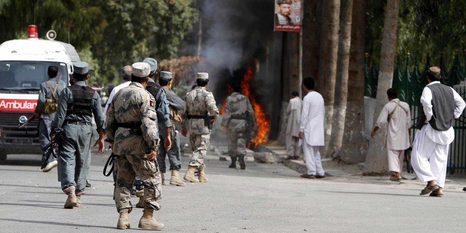 إصابة 5 أشخاص في تفجير سيارة ملغومة استهدفت قافلة قوات أجنبية في أفغانستان