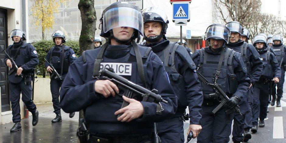 السلطات الفرنسية تلقي القبض على رجل حاول الاعتداء على جندي في باريس