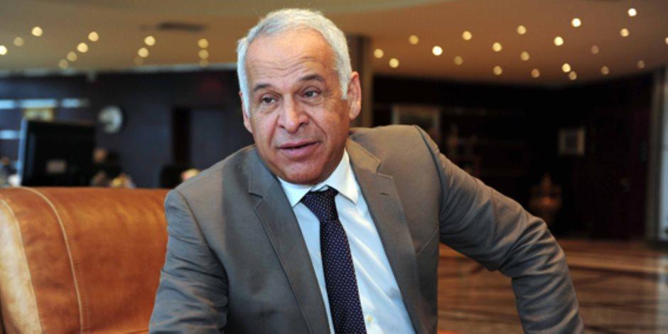 من حسام حسن لـ«شيخ الحارة»... فرج عامر تخصص حماية الخارجين عن القانون