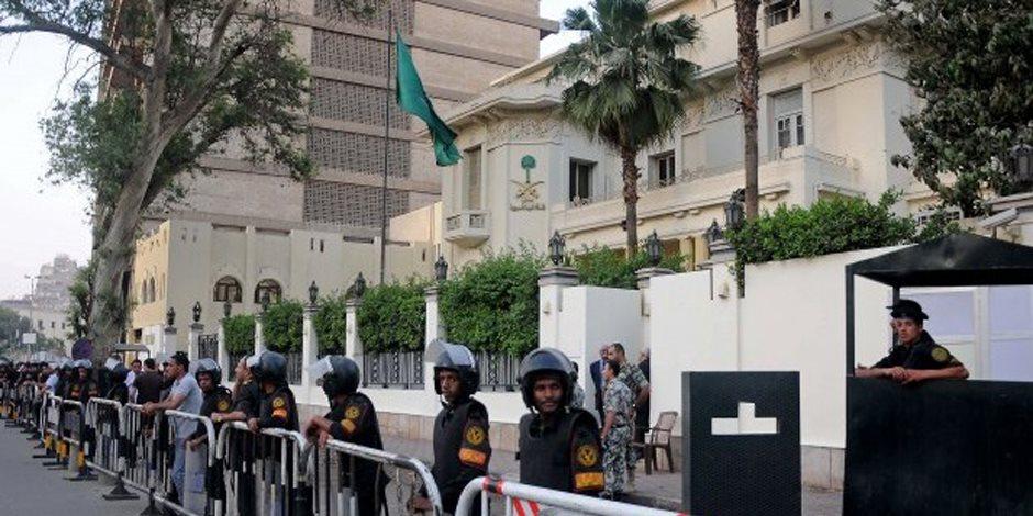 حبس ضابط شرطة مفصول أبلغ السفارة السعودية بعملية إرهابية داخل المدينة المنورة