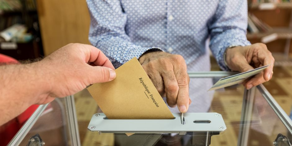الانتخابات الفرنسية.. حملة «لوبان» تشن هجوما عنيفا على «ماكرون»