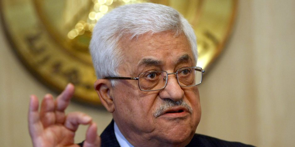 """الرئيس الفلسطيني يرسل برقية عزاء لـ""""الأعلى للإعلام"""" في وفاة مكرم محمد أحمد"""