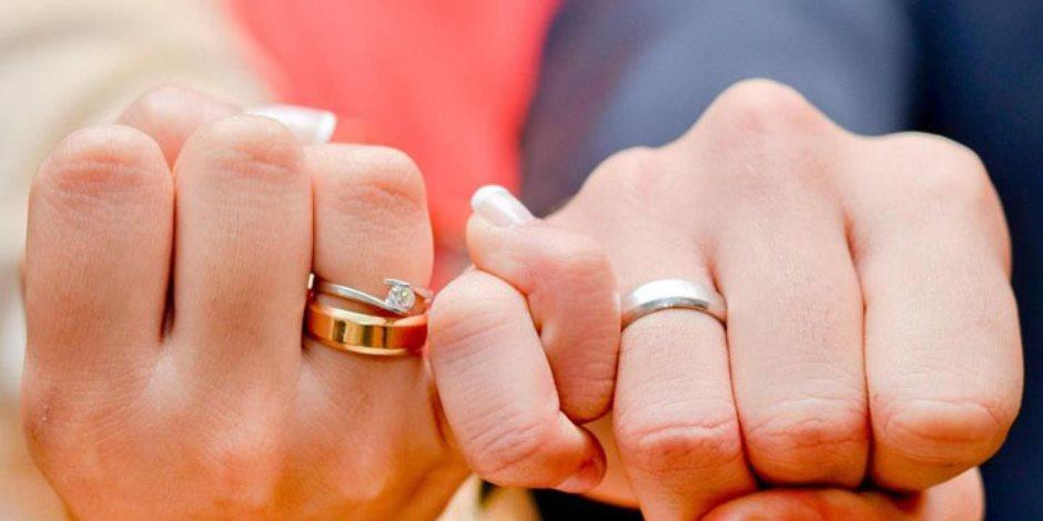 بعد فيديو البلكونة.. شاهد أغرب حالات الحب وطلب الزواج على السوشيال ميديا