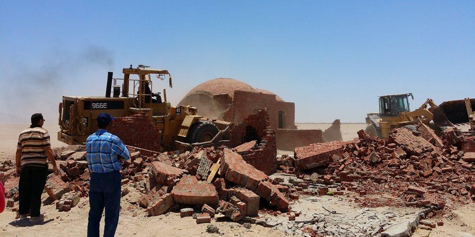 إزالة التعديات على 10 أفدنة و3000 متر من أملاك الدولة بطور سيناء (صور وفيديو)