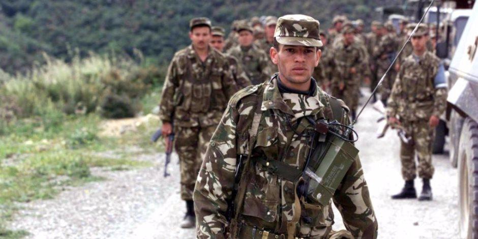الجيش الجزائري يضبط ثلاثة عناصر داعمة للجماعات الإرهابية