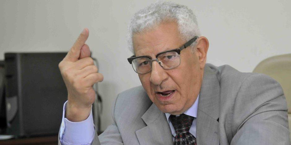 مكرم محمد أحمد لوفد عماني: السيسي يبذل جهدا كبيرا لتحسين علاقات مصر بأفريقيا