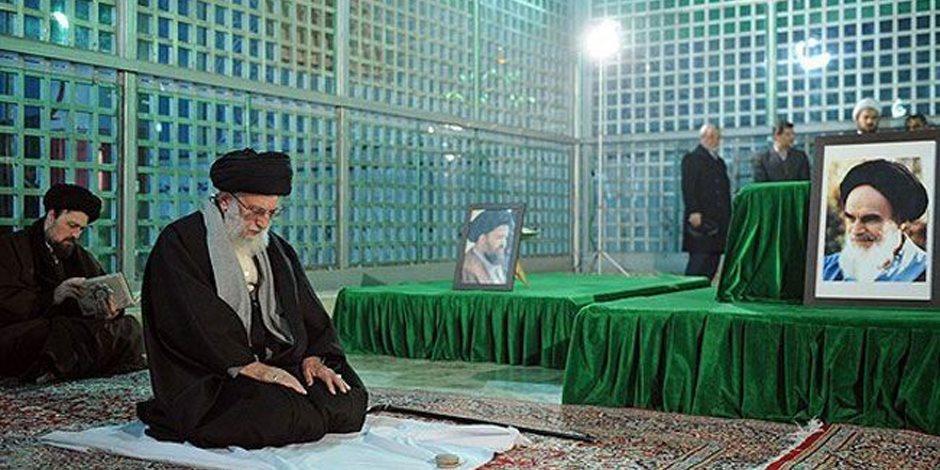 رحلة الخميني من الحرية إلى الانقلاب على الثورة الإيرانية
