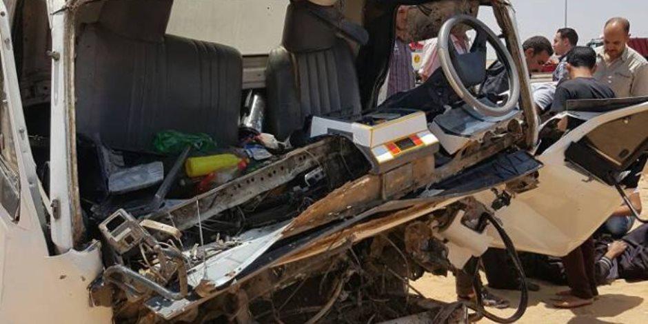 تصادم سيارتين ربع نقل بالإسماعيلية يسفر عن إصابة 25 عاملا