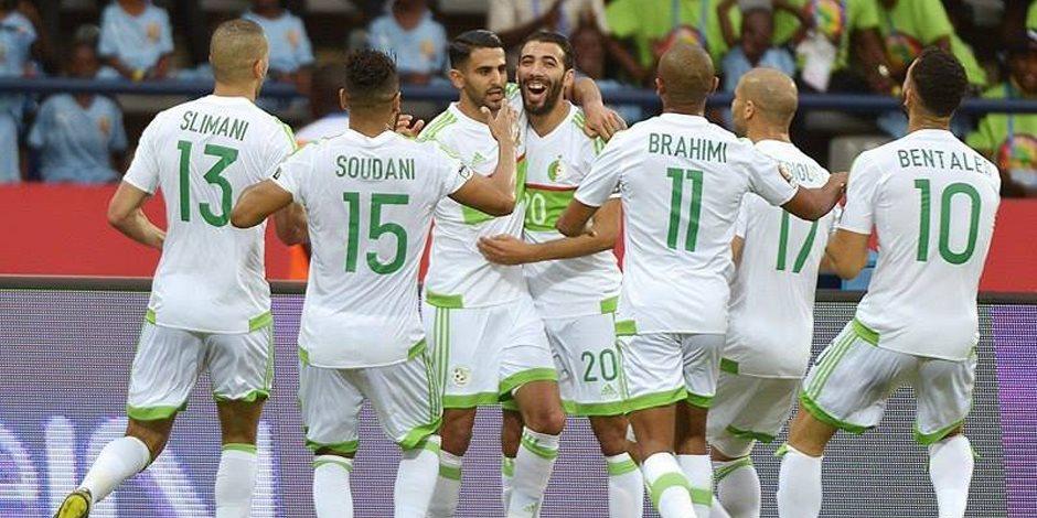 وصول أعداد كبيرة من جماهير الجزائر إلى القاهرة (فيديو)