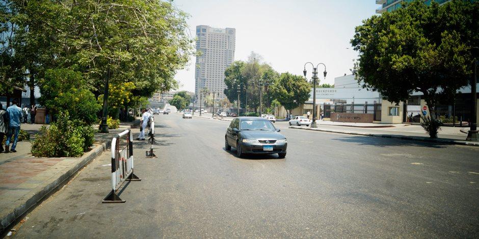 انتظام حركة السيارات وسيولة مرورية في شوارع وميادين القاهرة والجيزة
