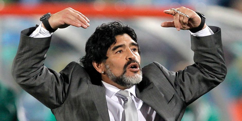 بمباراة الأهلى والفجيرة.. الأسطورة مارادونا فى أول مواجهة أمام فريق مصري