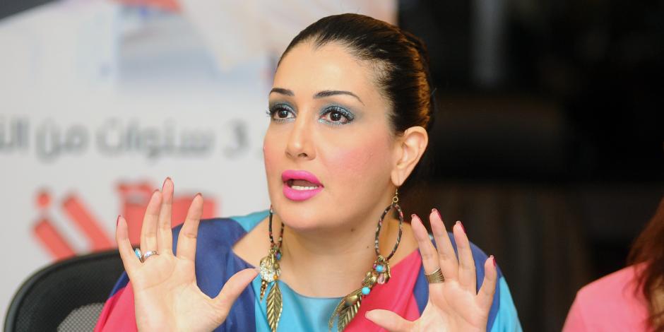 غادة عبدالرازق تتهم صاحبة شركة إنتاج فني بإصدار شيكات بدون رصيد على بنك قطر