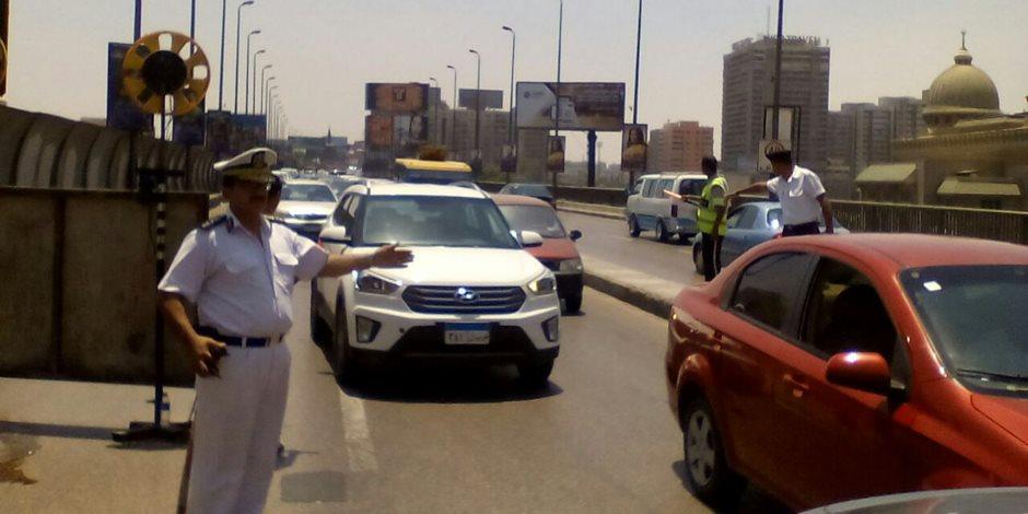 مجمعات المدراس تتسبب في كثافات مرورية بشارع السودان و كوبري 15 مايو