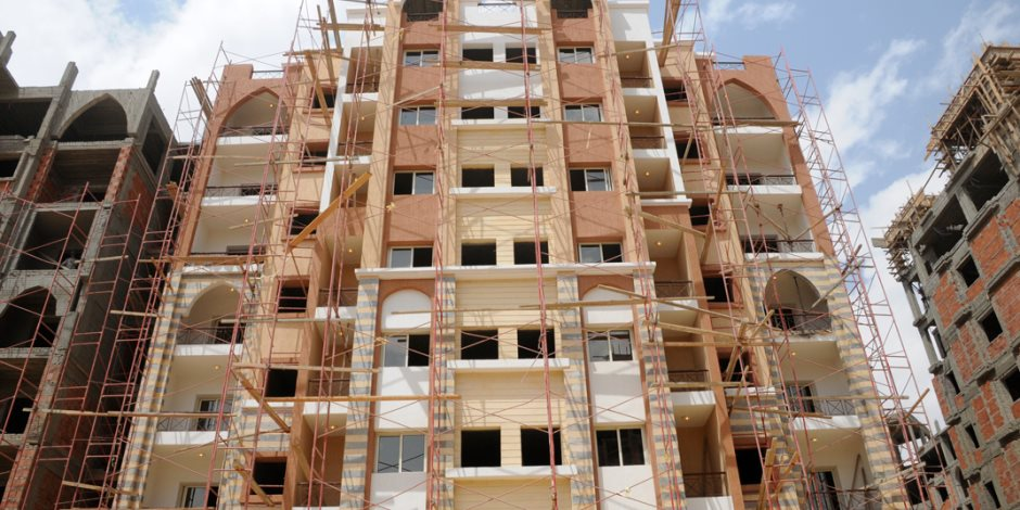 «دعوة للأمل».. الانتهاء من تشطيب واجهات عمارات العاصمة الإدارية الجديدة (صور)