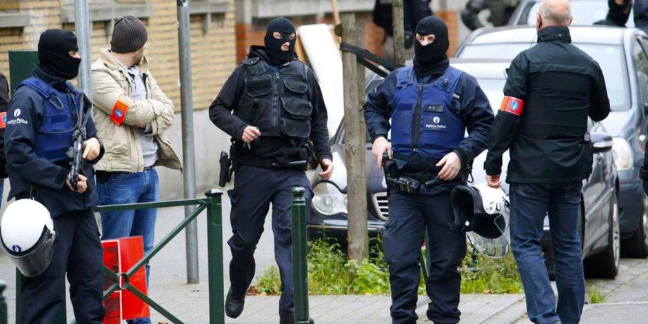 فساد يحوم حول البطل البليجيكي.. الشرطة تداهم نادي اندرلخت